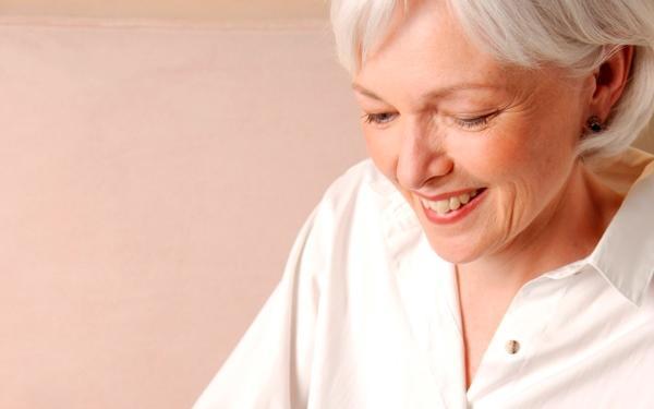 Co to jest menopauza i jakie są objawy  klimakterium?